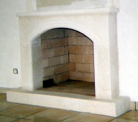 chemin es pierre de taille flammes de jade po le chemin e thermopo le bois pellets. Black Bedroom Furniture Sets. Home Design Ideas