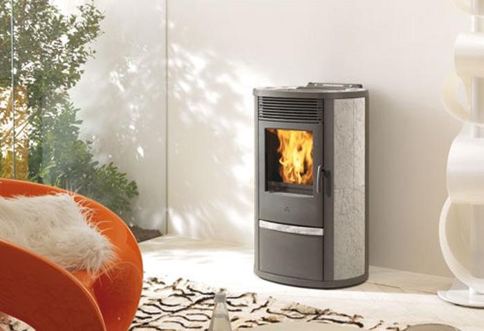 edilkamin lilia plus flammes de jade po le chemin e thermopo le bois pellets saint. Black Bedroom Furniture Sets. Home Design Ideas